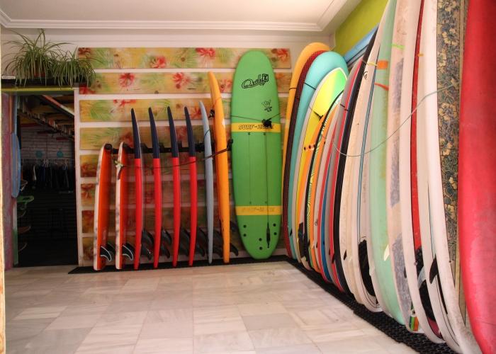 Aprende a surfear en el sur maravilloso de Tenerife