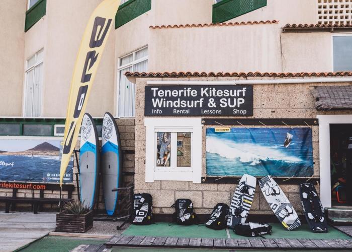 Aprovecha de las olas en El Médano y descubre el Surf