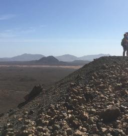 Caminata a un volcán y visita a una finca orgánica en Fuerteventura