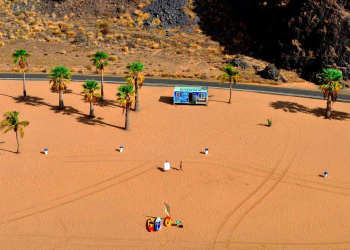 Curso de SUP en la playa preciosa de Las Teresitas