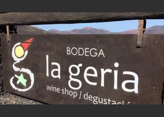 Excursión de vino y volcanes - Medio día en Lanzarote con cata de vinos