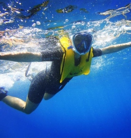 Float freely in the water with a full face snorkelling experience