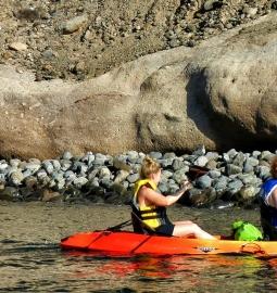 Kayak en las hermosas aguas de Gran Canaria