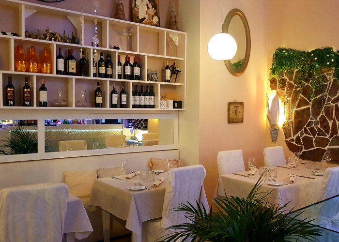 Romantic tasting dinner with wine pairing in Los Cristianos