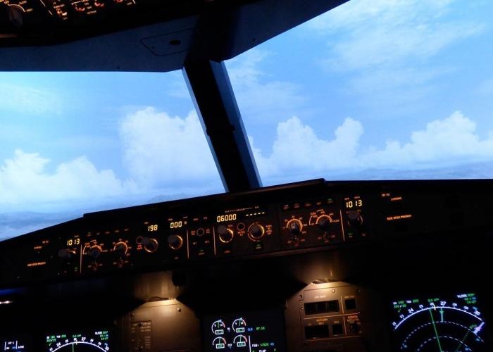 Simulador de vuelo dentro de un fuselaje real de un Airbus A320