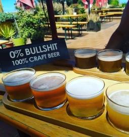 Visita guiada a una fábrica de cerveza con cata de cervezas de la casa y almuerzo o cena