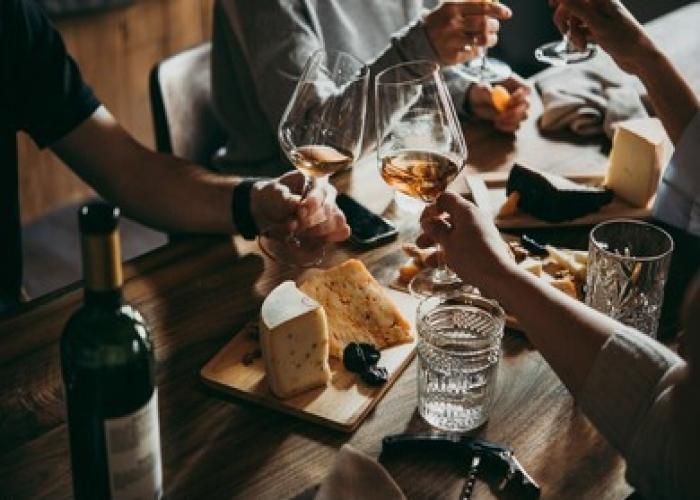 Visita VIP a La Laguna con guía oficial y degustación de vinos, y quesos