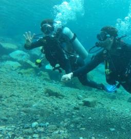 Viva una experiencia debajo del agua con un bautizo de buceo